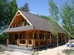Maison en bois massif construction de chalet en kit prix for Prix maison en bois massif